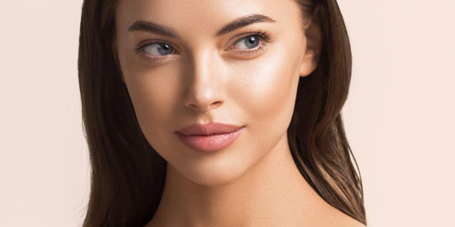 Femme aux beaux yeux
